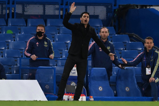 Arsenal's Spanish manager Mikel Arteta gestures during the English Premier League football match between Chelsea and Arsenal at Stamford Bridge in London on May 12, 2021.