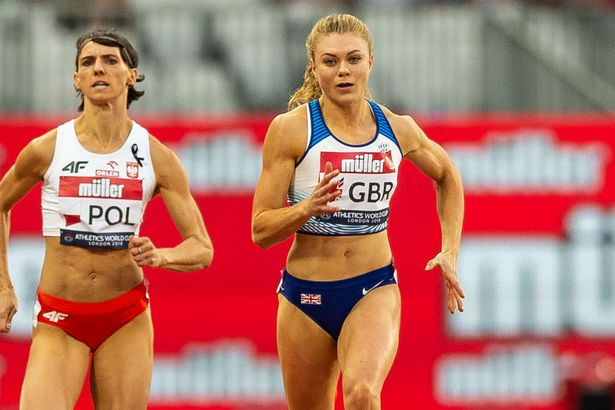 Beth Dobbin capped a fine championships by adding the 200m to victory in the sprint relay