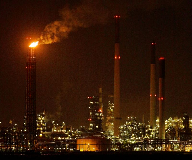 Analysis-Big oil may get more climate lawsuits after Shell ruling - lawyers, activists