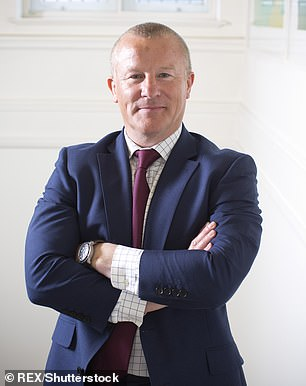 Probe: NeilWoodford's investment empire collapsed in 2019