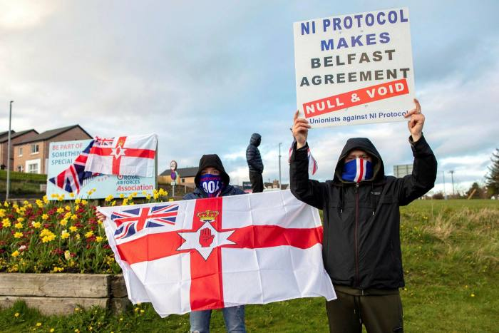 Pro-Union loyalists demonstrate against the Northern Ireland protocol