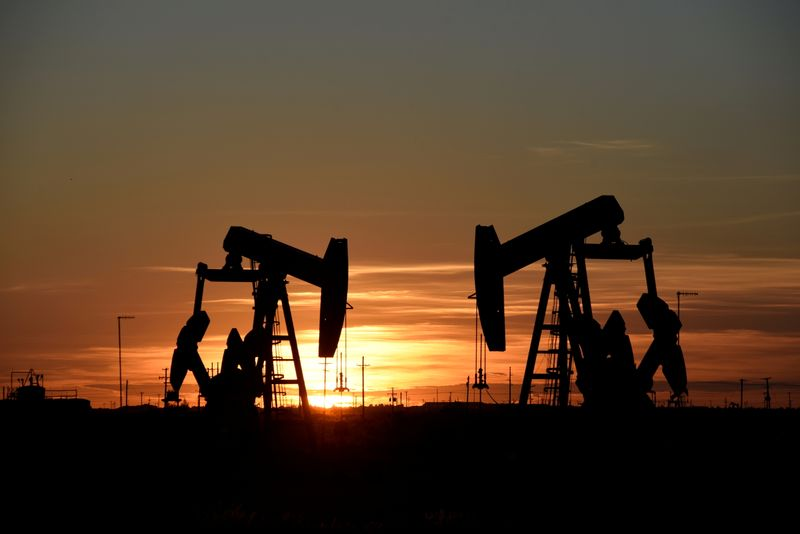 Oil edges up on U.S., Europe demand growth prospects
