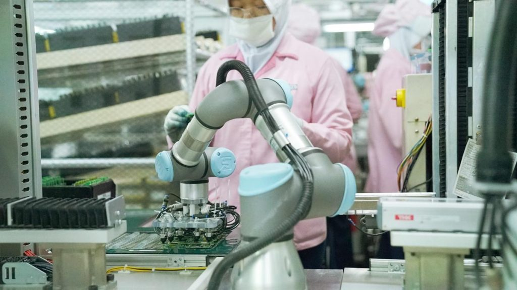 What is the Structure of an Industrial Robotic Arm?