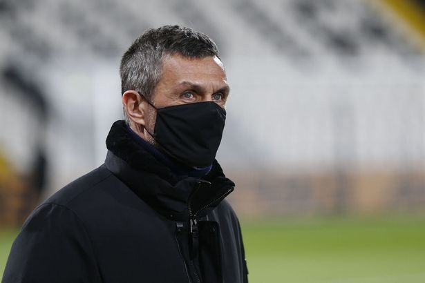 Paolo Maldini tried to convince the goalkeeper to stay
