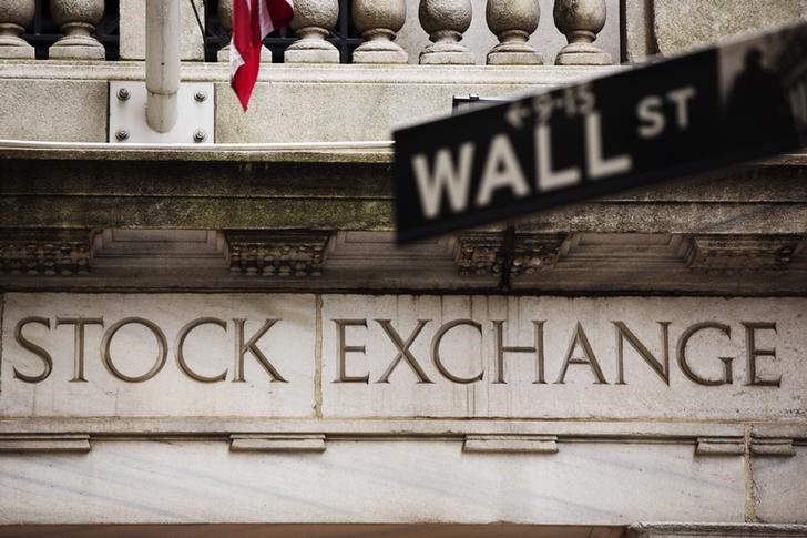 U.S. shares higher at close of trade; Dow Jones Industrial Average up 0.04%