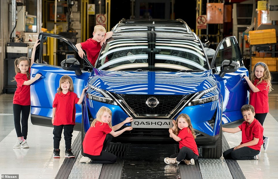 School children were invited to take a closer look at the new Qashqai this week to mark the beginning of assembly of the new model