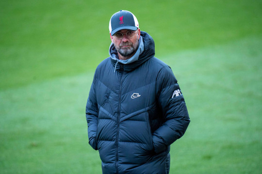 Jurgen Klopp looks on during Liverpool's Premier League clash with Crystal Palace