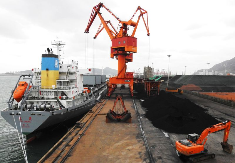CO2 emissions from coal shipping stay strong in 2020 as green pressures grow
