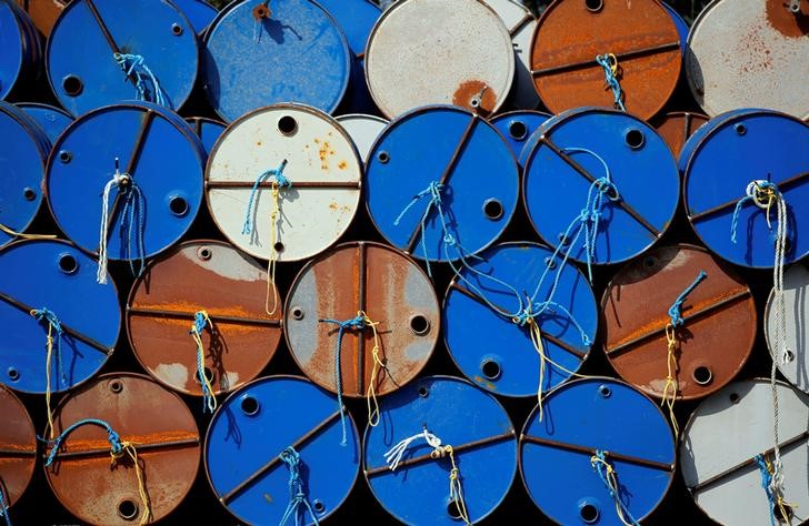 Major traders see oil staying above $70/ barrel, $100 not impossible