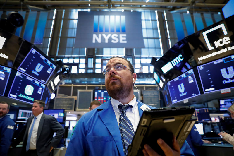 S&P 500 Ends Flat, but Tech Basks in Post-Fed Glory