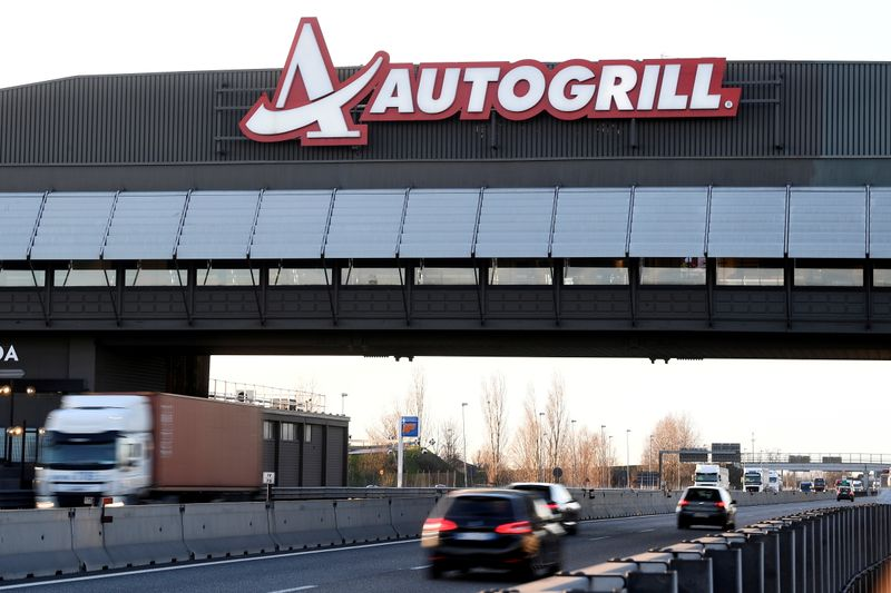 Shares in Italy's Autogrill fall ahead of 600 million euro rights issue