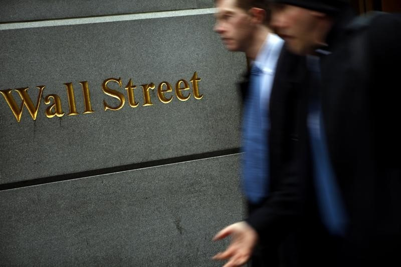 Dow Futures 90 Points Higher; Earnings Impress Ahead of Jobless Claims