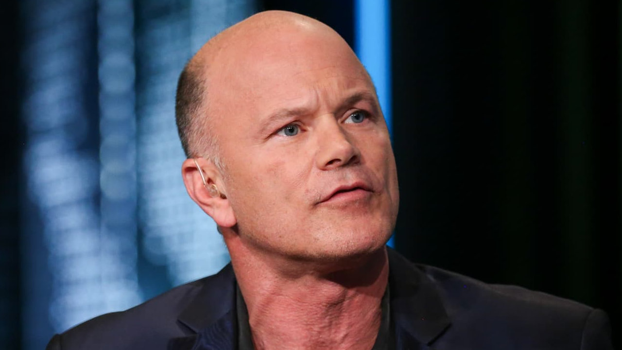 Mike Novogratz Says Institutions Are Buying Bitcoin, Politicians Need More Crypto Education