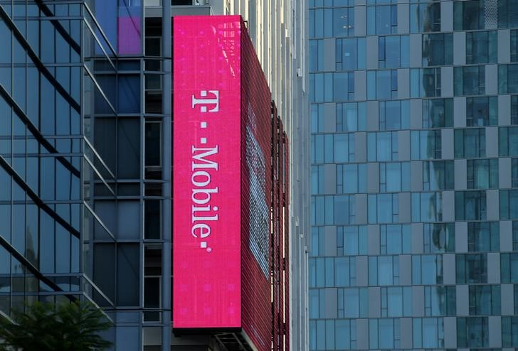 T-Mobile US Results Beat in Q2; Lifts Guidance on Subscriber Growth