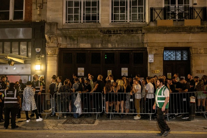 Queues for a nightclub in London