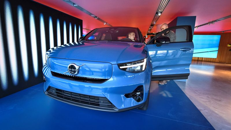 Volvo Cars to take full control of its Chinese business
