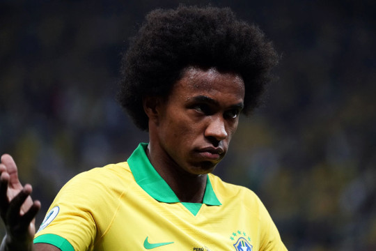 Willian looks on during Brazil's clash with Peru