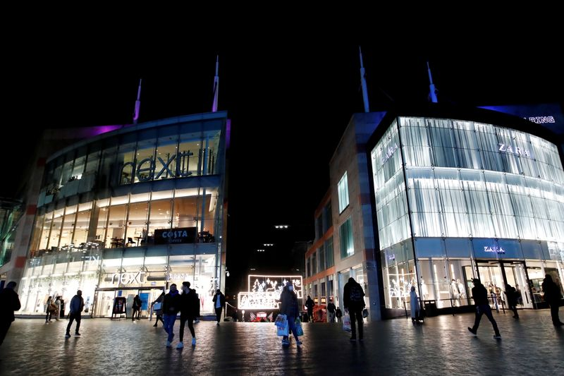 UK's Hammerson profit inches up as footfall woes linger