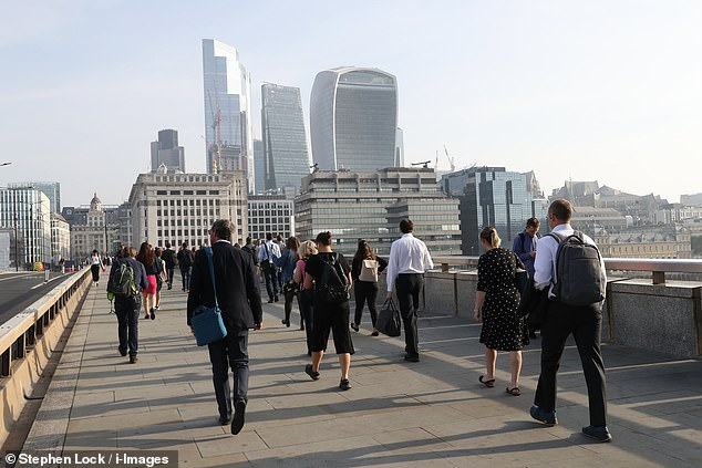 London wages: One in ten firms will ditch the salary boost for London workers who WFH