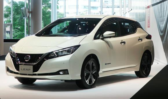 Nissan L:EAF