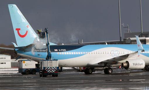 A TUI plane is di-iced at Newcastle International Airport