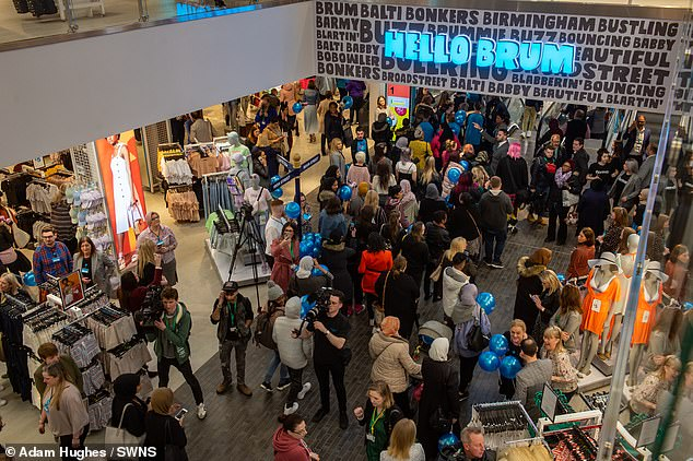 Shoppers continued to spend in April despite economic uncertainty