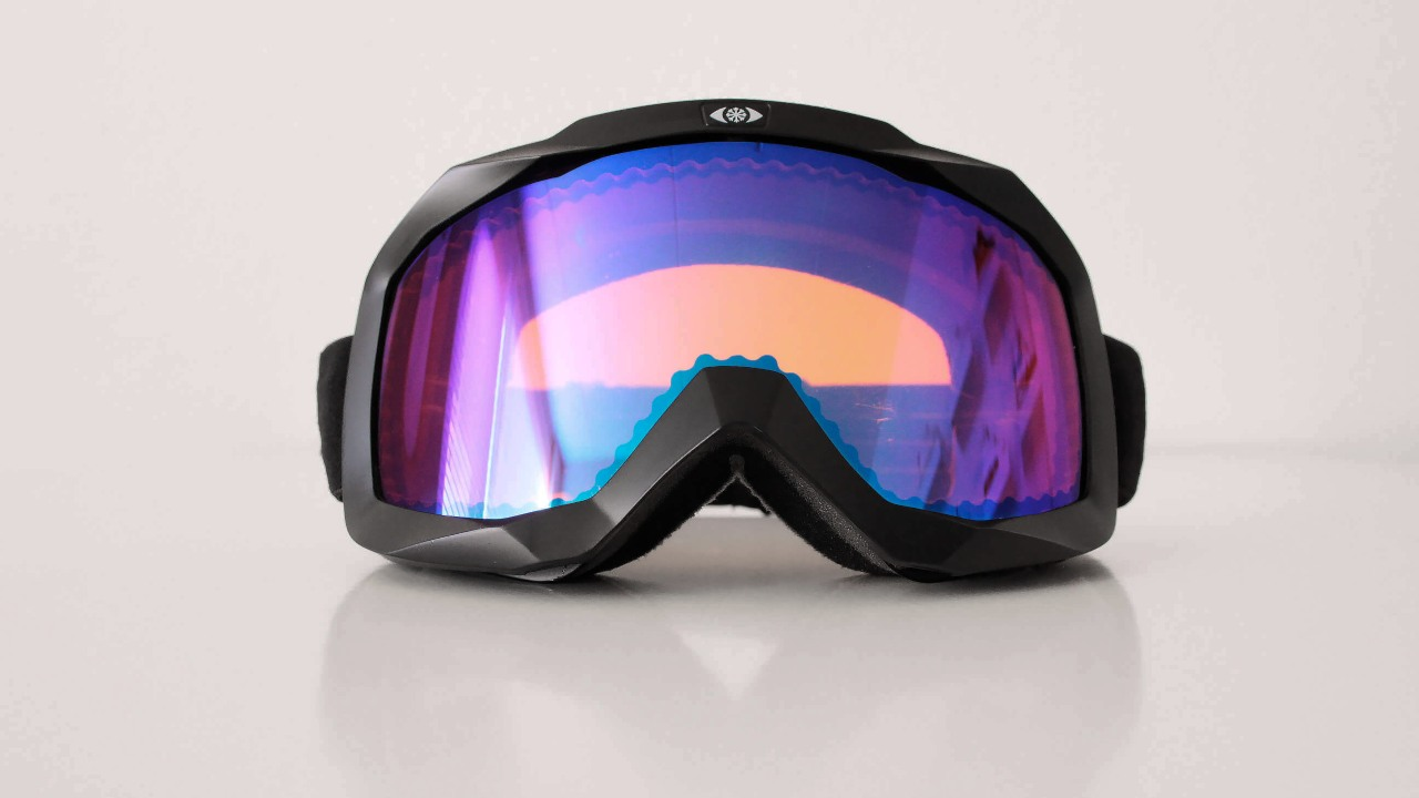 Classic ski goggles, too, have a variable level of protection from all non-visible radiation. Image: NASTEK