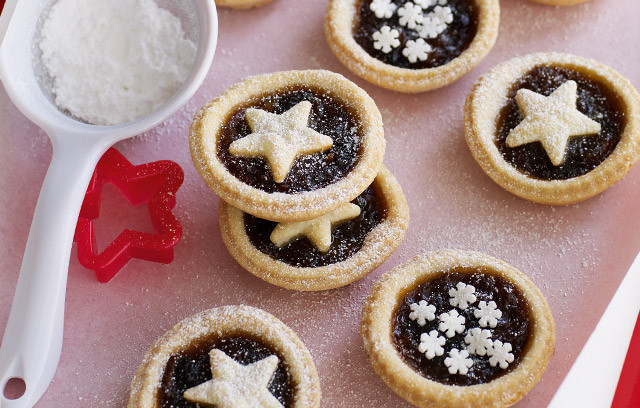 TIP: Ready in 45 minutes, they look impressively festive,.. add edible gold dusting for a luxury look