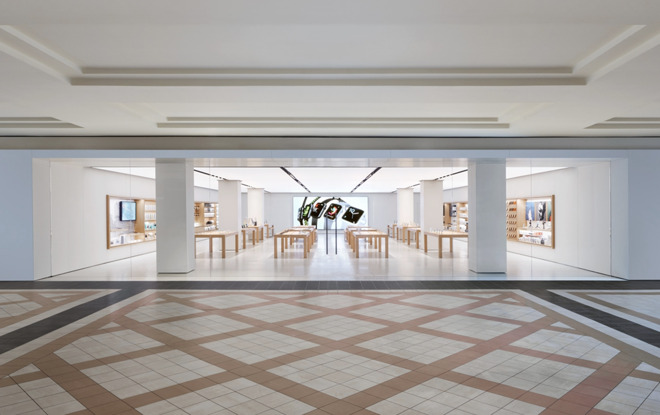 The Mayfair Mall Apple Store in Wisconsin