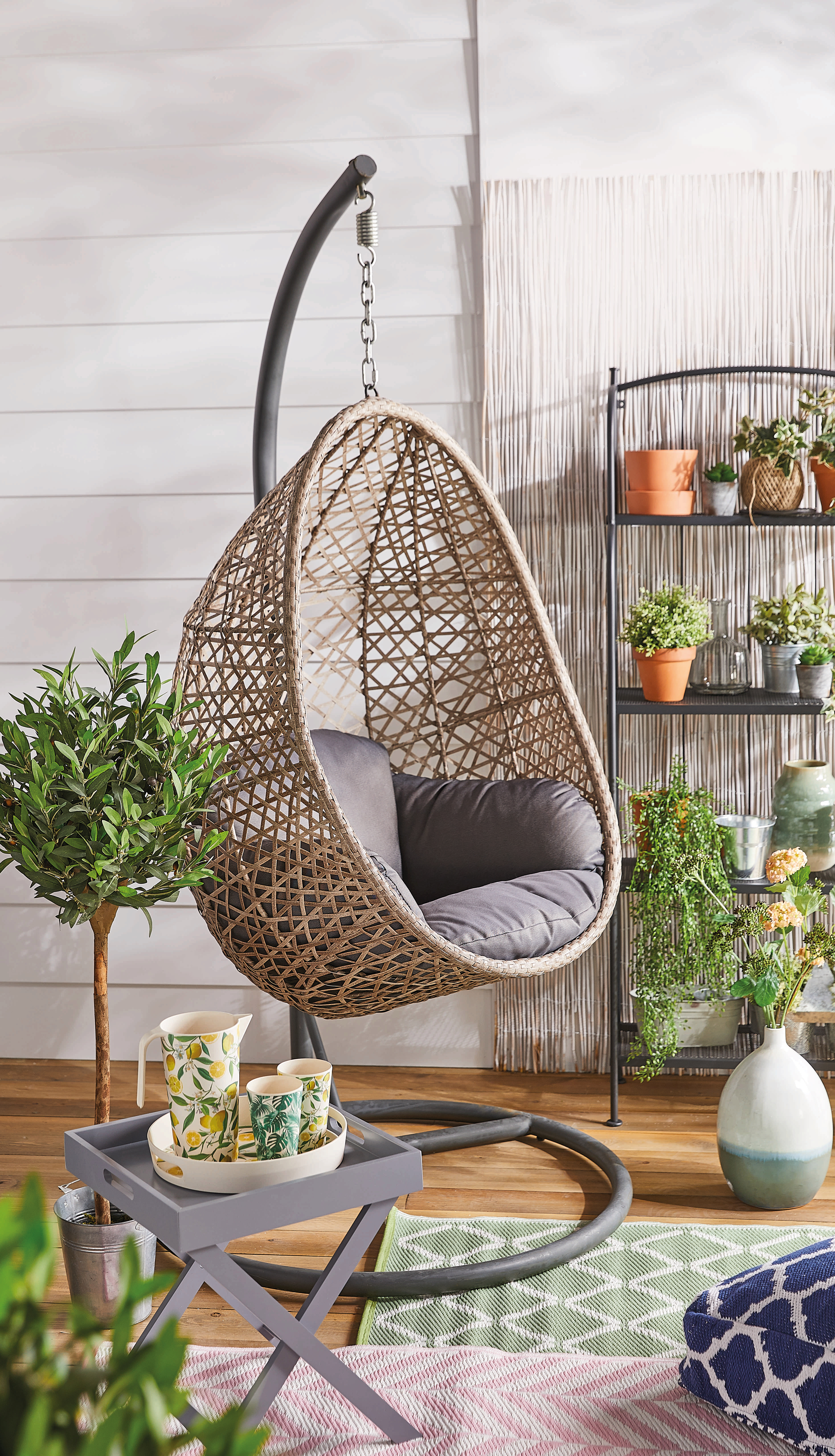 Pre-order this hanging egg chair from Aldi on Monday for £149.99