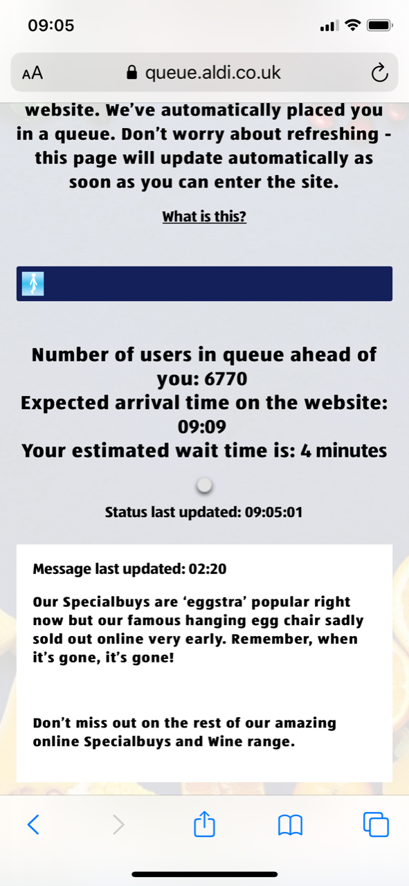 """A pop-up on Aldi's website this morning at 02.20 says the chair has been """"eggstra"""" popular"""
