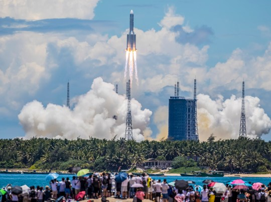 epa08561792 The rocket carrying China's Tianwen-1 Mars rover is seen after liftoff in Wenchang, Hainan province, China, 23 July 2020. The rover was lifted off by a Long March 5 rocket on Hainan Island and it is expected to reach Mars in February 2021. EPA/STR CHINA OUT / ALTERNATIVE CROP