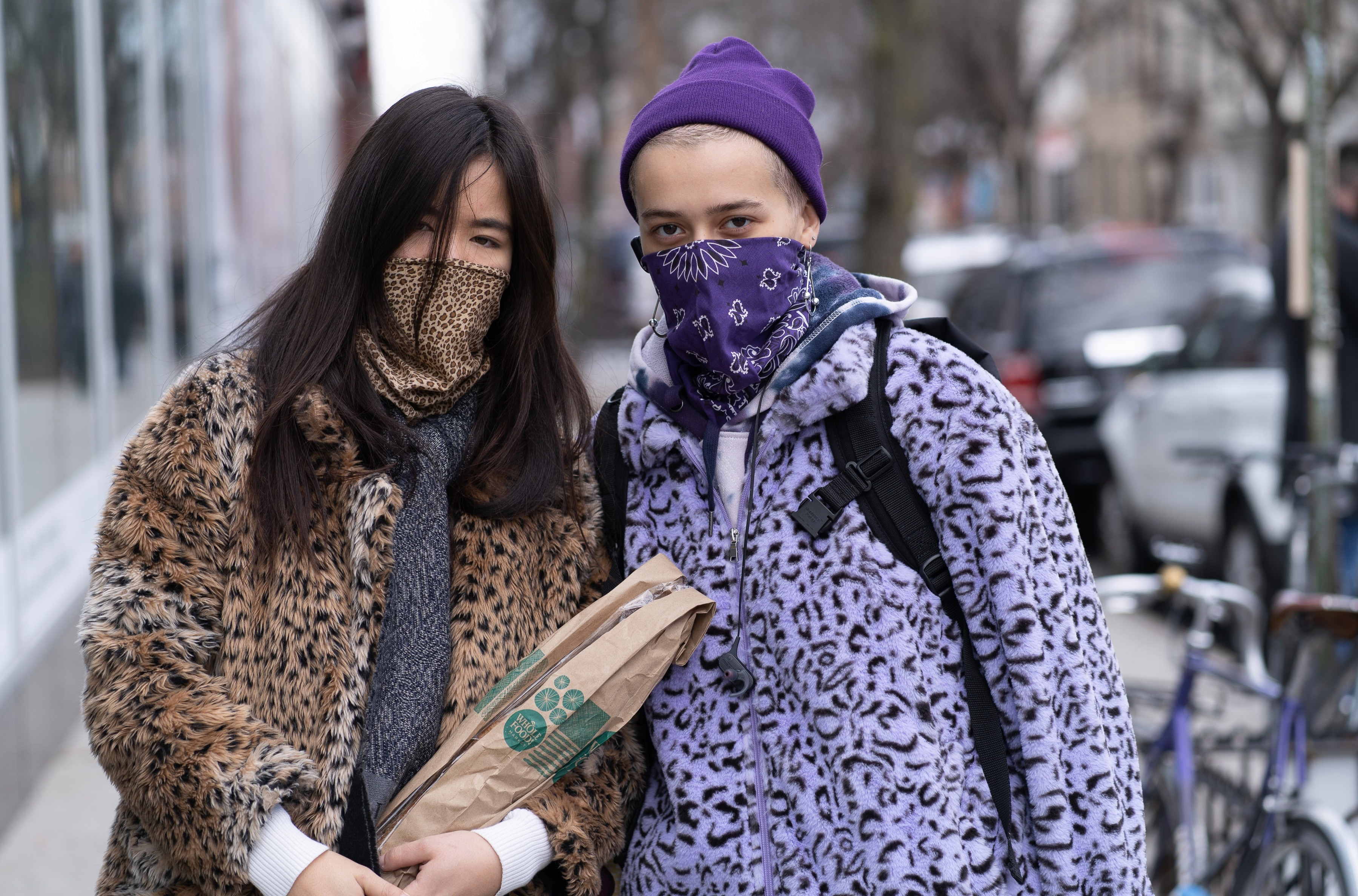 Brits can wear bandanas as a face covering