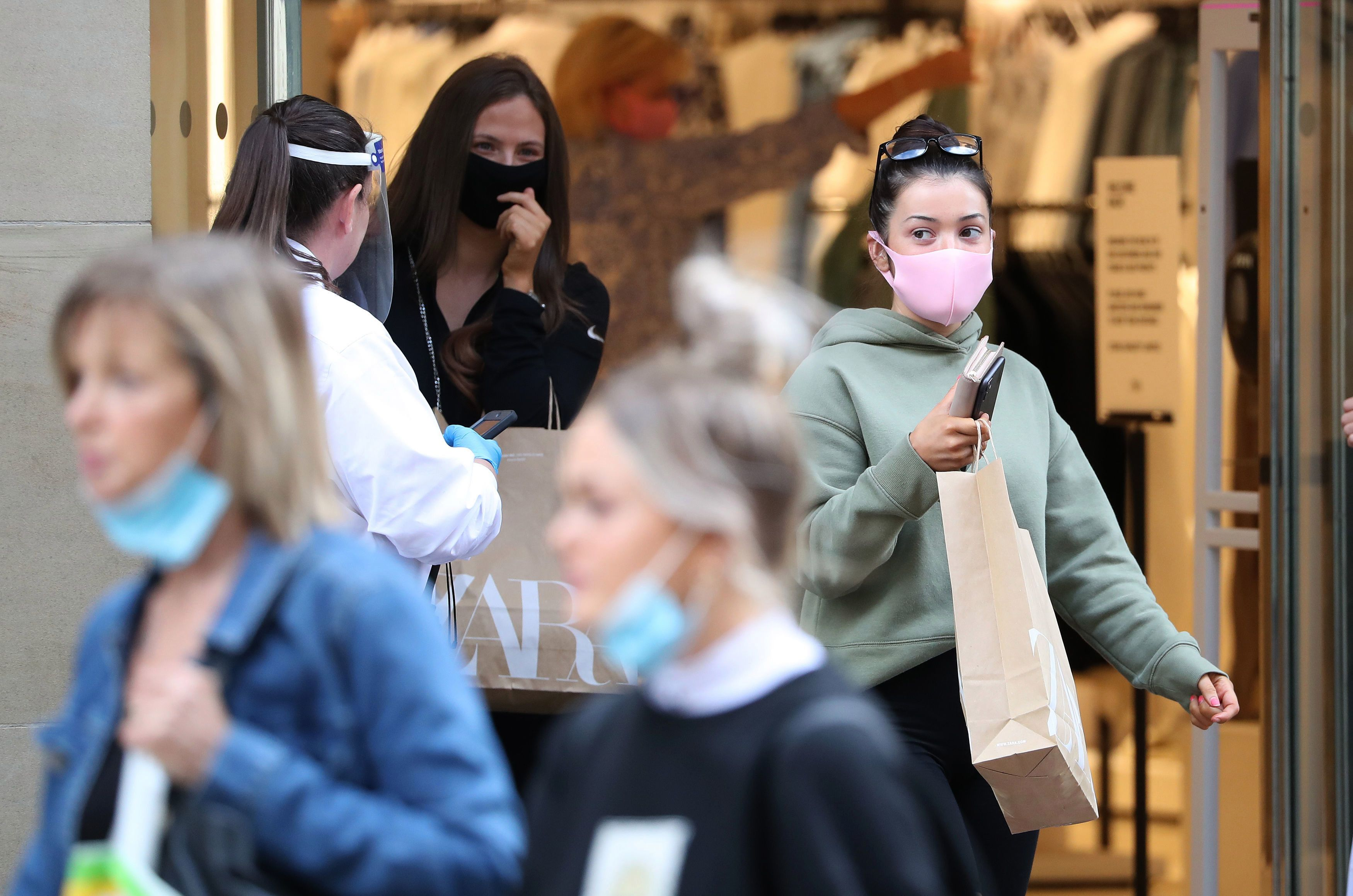 People will have to wear masks in shops from July 24