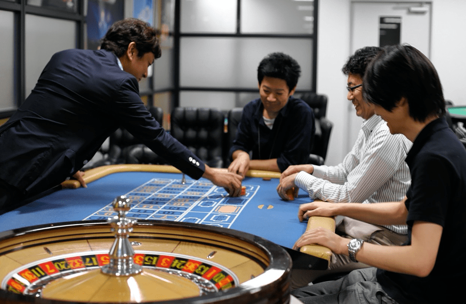 Japanese Casino School's Big Wager: That Gambling Will Be Legalized - WSJ