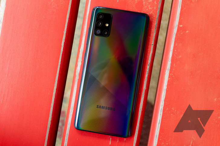 January 2021 security patch rolling out to AT&T Galaxy A51 and Galaxy Fold