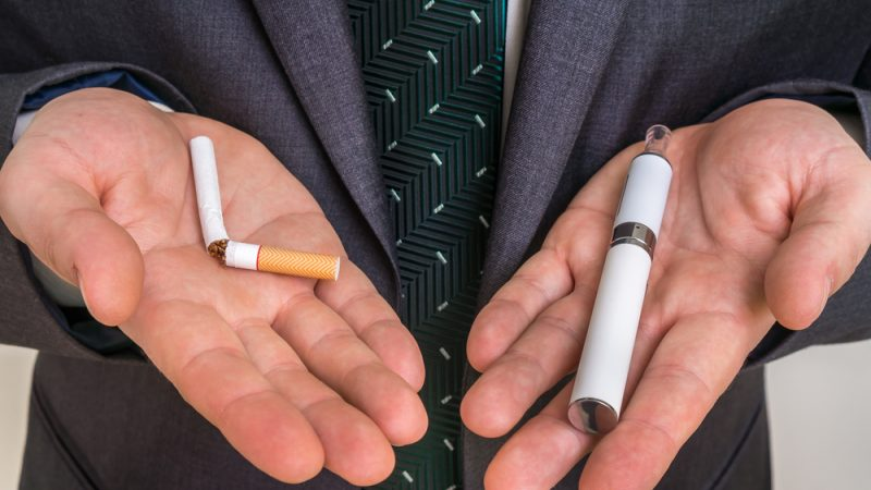 The Differences Between the Electronic Cigarette and Normal Cigarette