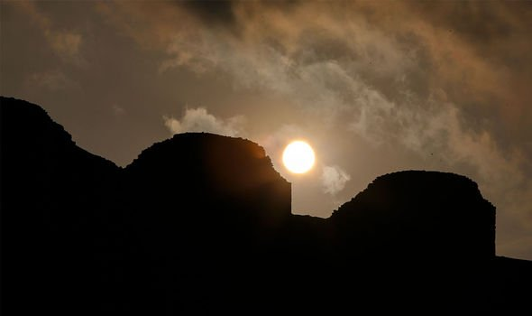 Solar Calendar: The towers enabled the inhabitants to determine the date within one to two days