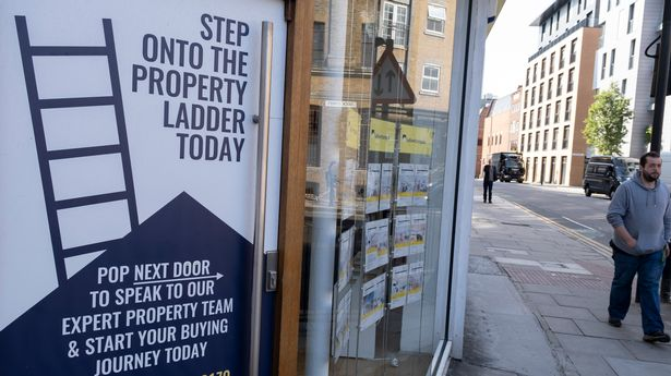 Under-30s have typically saved £10k towards a deposit to get onto the property ladder