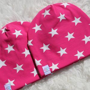 Mössa med stjärnor rosa vit