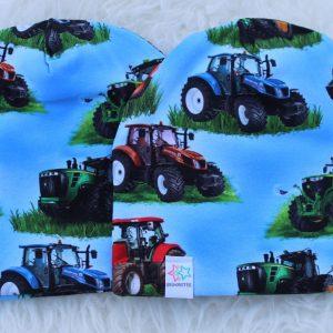 Mössa med traktorer blå