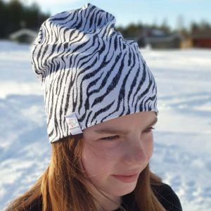 mössa vit svart zebra