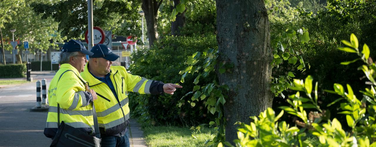 <p>Signaleren en alarmeren Buurtpreventie Hendrik-Ido-Ambacht heeft rechtstreeks contact met de politie. Wij melden aan de politie wat wij zien en ervaren, omgekeerd waarschuwt de politie ons als er trends zichtbaar zijn die wij extra in de gaten moeten houden. Daarnaast is er contact met Wijk- en Buurtgericht Werken, Rhiant Woningbouwvereniging […]</p>