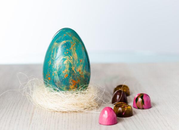 Handmalade chokladägg till påsk