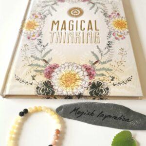 Spirituel notesbog Magical Thinking og krystalarmbånd