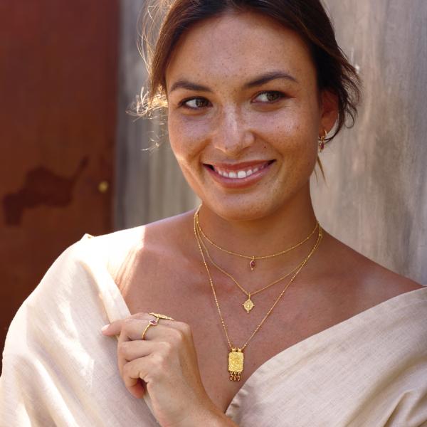Bæredygtige smykker med ædelsten