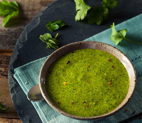 salsa chimichurri para acompañar al cabritillo