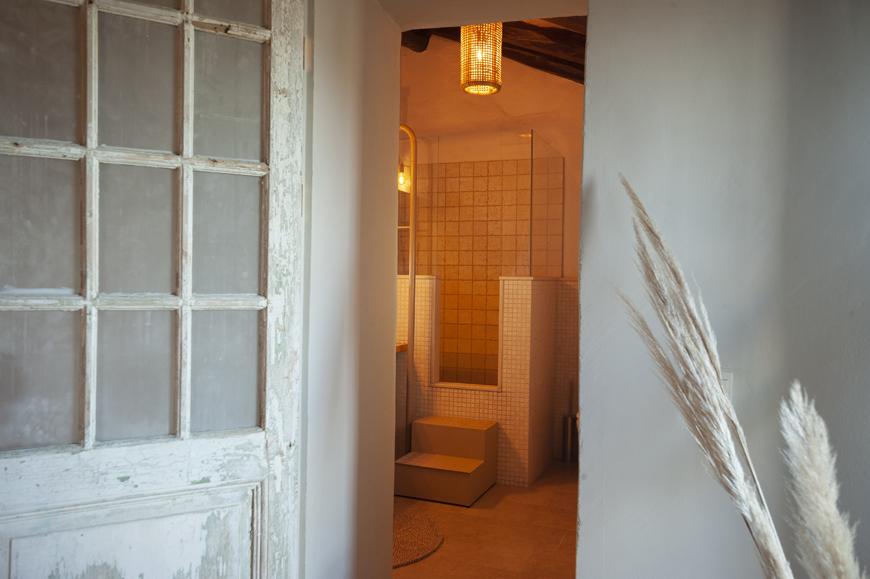 Montserrat badkamer deur