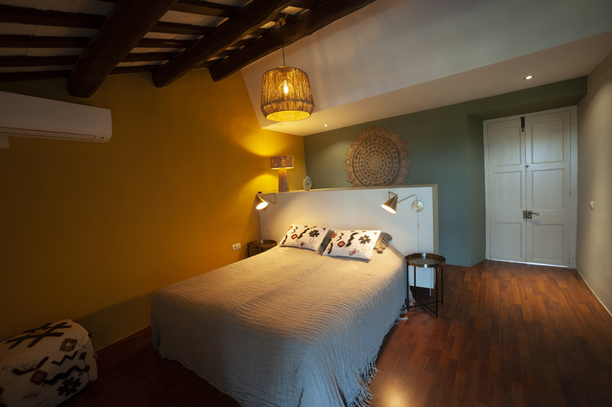 Montserrat bed