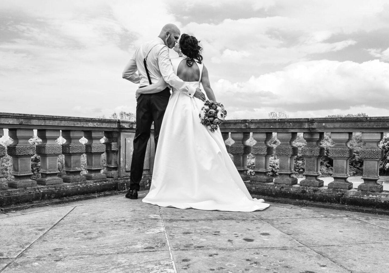 Fotograf Hochzeit. Brautpaar in Schloss Solitude